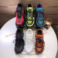 2021 Sıcak Yeni Tasarım Ayakkabı Erkekler Ve Kadınlar Cloudbust Thunder Örgü Tasarım Boy kadın Ayakkabıları Hafif Kauçuk Taban 3D Rahat Ayakkabılar