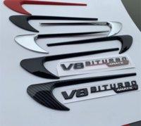 2pcs Vent Fender Fender Trim Emblem Blade Logo V8 Biturbo 4Matic + Pour Mercedes Benz AMG V8 C200 C300 E300 E400 W213 Autocollant côté voiture
