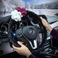 Steering Wheel Covers Winter Crystal Plush Steering-Wheel Cover For Women Car-styling Flowers Rhinestone Car Accessories