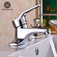 Torneiras de pia do banheiro Myqualife moderno Chrome Basin torneira única alavanca misturador frio tap deck montado lavar vaidade