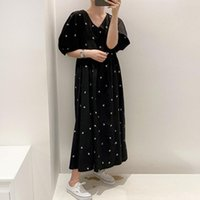 Casual Dresses [EWQ]Simple Ladies Black Robe Loose Runway Dress 2021 Summer Women Vintage Thin Puff Sleeve V-neck Maxi