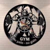 Fitness Club Motivation The Beast Silent Wall Clock Horloge de gym Decor Décor Vinyle Enregistrer Clock Horloge Bodybuilding Kettle Bell Retro Wall Montre 210309