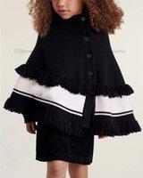 럭셔리 어린이 뜨개질 Poncho 겨울 키즈 만다린 칼라 편지 술 망토 디자이너 소녀 스웨터 따뜻한 목도리 공주 Cape A7695