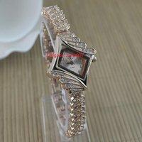 送料無料高品質Rhombus Diamond Bracelet全体試合クォーツレディウォッチ小さな女の子腕時計20.5mm女性腕時計女性の時計