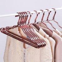 الجملة الفضاء الألومنيوم شماعات ماء الصدأ مقاوم للملابس الرف لا أثر الملابس دعم المنزلية المضادة للانزلاق الملابس شنقا DBC DH0477