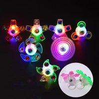 LED Eldiven Küçük Oyuncaklar Yaratıcı Parmak İpucu Üst İplik Çocuk Yüzük Bilezik Gadgets Gece Pazarı