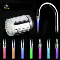 LED Su Bataryası Akışı Işık Işık Değişen Renk Su Dokunun Su Püskürtücü LED Kafa Işık Işığı Mutfak Banyo Erişimi Için Glow