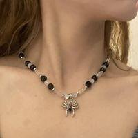 Pendant Necklaces Designer Jewelry Black Bead Stitching Clavicle Chain Dark High Street Rhinestone Spider Round Women Necklace