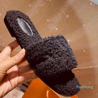 Cómodo 2021 zapatos top de lana Desininer Invierno Peluche zapatillas interior HOTEL CALIENTE Sandalias de piel de zorro para mujeres Diapositivas Calidad con caja Tamaño 41