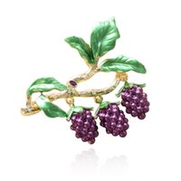 Pins, Brooches XIAONIAOSHI Luxury Rhinestone Grapes For Women Fashion Fruit Pins Enamel Vintage Design Jewelry Coat Accessories Gift