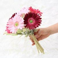 الزهور الزخرفية أكاليل 7 قطع 32 سنتيمتر gerbera الاصطناعي بو وهمية أقحوان باقة مع ورقة خضراء للمنزل الديكور الزفاف القابضة