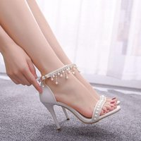 Dress Shoes High-heeled sandals of the crystal-clear queen, white line, women's shoes, ankle straps, sexy shoes. 1J88