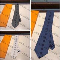 العلاقات الرقبة منقوشة الكلاسيكية مع مربع الحرير الرجال محببة الربط في الهواء الطلق العمل الأعمال المناسبات الرسمية اللباس العلاقات