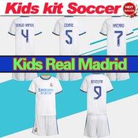 KITS KITS 2022 Camiseta Real Madrid Jersey Benzema Srerio Ramos Zidane Modric Kroos 21/22 Chemise de football Enfants Accueil Enfels de football blanc en vente