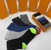 Meias dos homens clássicas Moda Designer Homens Mulheres Meias Com Letras 5 Pares Box Alta Qualidade Casual Esportes Sock 2 Estilos