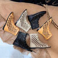 المرأة تصميم الصنادل الجلدية جوفاء جلد طبيعي وسيم أنبوب طويل عرض رقيقة بارد الأحذية قصيرة ثنائية الغرض النعال الدانتيل الرجعية الاتجاه سيدة الأحذية 35-40