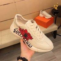 Scarpe casual da uomo Donne Sneakers di modo Comfort Style Mesh Upper Dress Dress Shoewear Streetwear Sport Trainer