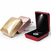 50pcs Mode LED Bague éclairée Boucle d'oreille Pendentif Bijoux Boîte d'emballage Boîte d'affichage de cadeau de mariage Organisateur de stockage de cadeau de mariage