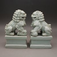 Revolução Cultural Fábrica Bens de Fábrica Sculpture Porcelana Azul Esmalte Leão Ornamento Um par de antiguidades antigas antigas artigos de cerâmica Coleção