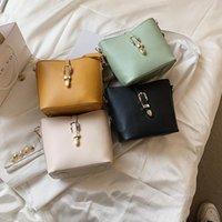 Evening Bags Net Celebrity Ladies Bag Handbags 2021 Trendy Fashion Wide Shoulder Strap Bucket Wild Ins Atmosphere Messenger