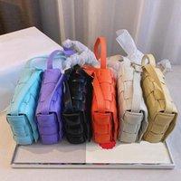Tasarımcı Kadın Çantası Kaset Cowskin Omuz Çantaları Moda B V Örgü Çanta Hakiki Deri Yumuşak Debriyaj Crossbody Tote Çanta