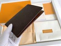 Premium 5A Kreditkarten Inhaber Passport Reisedokument Visitenkarteninhaber Herren Geldbörse Frauen Geldbörsen Geldbörsen Lady Designer Brieftaschen M60181