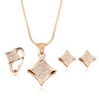 Kolye Küpe Yüzük Takı Seti Lüks Moda Kadınlar Rhinestone 18 K Altın Kaplama Geometrik Kare Düğün Takı 3-piece Set 288 T2