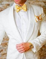 2021 Fashion Men White Wedding Tuxedos Lace Two Piece Suit One Button Shawl Lapel Male Groom Wear Mens Suits Blazers (Jacket+Pants)