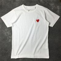 24 컬러 패션 남자 디자이너 T 셔츠 높은 Quanlity 붉은 마음 T 셔츠 캐주얼 여성 Des Badge Garcons 코튼 자수 짧은 소매 여름 티 탑