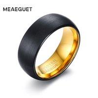 Eheringe MEAGUET Gold / Schwarze Farbe Wolfram Männer Ringbänder 8mm Breites schwarzes Hartmetall für männlich