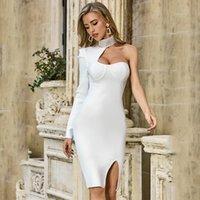 2021 High Collar Open Back Homecoming Kleid Reine Farbe Sexy Slim Fit Bag Hüftkleider mit Diamant Eine einzelne Langarmbandage