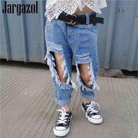 Jargazol Vaqueros de verano para niñas Moda Holido roto Pantalones de mezclilla Pantalones pequeños Pantalones Pantalones para niños Ropa para niños 210907