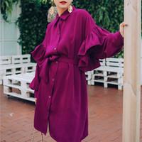 أزياء روز الأحمر التلبيب طويل الأكمام منزعج حزام واحد الصدر فضفاضة زائد امرأة اللباس عارضة الأزياء المد الخريف جديد TV535