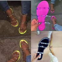 Diseñador 2021 Slipper Cool Drag Mujeres Flat Full Summer Diamond Beach Flip Flops para zapatillas de casa divertidas de la casa