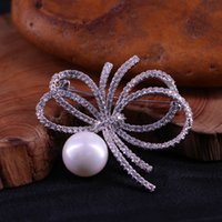 2021 Brooch bow natural pearl cardigan pin shawl button women's coat versatile accessories
