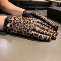 Перчатки высокого класса от роскошных дизайнеров должны для выхода в новом возрасте. Кожа нежная мягкая, и у каждого есть другой вид сенсорный экран 0021