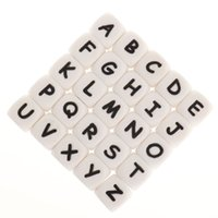 FKISBOX 200 stücke Alphabet Silikon Englische Buchstaben Perlen Cube A Freies Baby Zähneer personalisierter Name DIY Nagetier Beißrinde Anhänger 210909