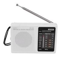 KK-238 Portátil Mini Radio FM / AM Radio de ajuste digital FM / 76-108 MHz. AM / 525-1610KHZ PARA EMERGENCIA INTERIOR