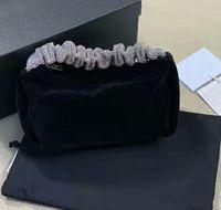 2021 업데이트 벨벳 다이아몬드 핸들 가방 탑 디자이너 여성 럭셔리 체코 모조 다이아몬드 클러치 백 하단 편지 인쇄 연회 핸드백 파티 지갑 웨딩 지갑