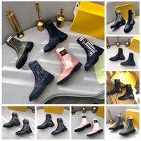 2021 Bottes de concepteurs femmes tricotées Stretch Martin Cuir noir Chevalier Femmes Short Boot Design Casual Chaussures Casual Chaussures de créateurs de luxe