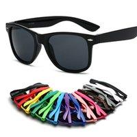 Wholesale adultos e crianças clássico plástico óculos de sol retrô vintage quadrado sol óculos para mulheres homens crianças multi cores moda