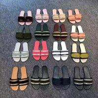 Yüksek Kaliteli Tasarımcı Terlik Slaytlar Kadın Yaz Kauçuk Sandalet Plaj Slayt Moda Scuffs Terlik Kapalı Ayakkabı Boyutu 35-41 ile Kutusu 39