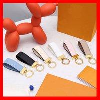 Luxo Keychain Mens e Womens Fashion Bags Pendurar Buckle Chaveiro Chaveiro Pingente de Couro Handmade
