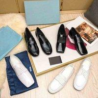 2021 Vendita calda Classici Matura Donne Mature Dress Shoes Leather Oxfords Scarpe da punta Slip Slip on Scarpe a basso business con scatola