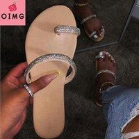 النعال OIMG بريق المرأة الصيف الصنادل الأزياء بلينغ الإناث الحلوى الوجه يتخبط شاطئ الماس الأحذية المسطحة في الهواء الطلق