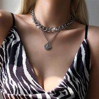 Collana girocollo del ciondolo del ritratto della luna multistrato dell'annata per le donne della catena della catena del collo di colore dell'argento delle donne dei monili gotici punk gioielli gotici