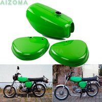 Motosiklet Yakıt Sistemi (200200) Yeşil Tanklar Retro Yağ Gaz Tankı W / 2 ADET Yan Kapak Pedi Simson S50 S51 S70 için Tüm Yıllar