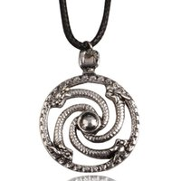 Pendentif Colliers RJ Viking Guerrier Collier Gothic Metal Snake à quatre têtes Disc creux Cosplay Cosplay Bijoux Accessoires Cadeau
