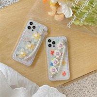 Telefone celular Bolsas Ins Solid Flor Pearl Chain Case para 11 12 Pro Max XR XS 8 Plus Se2 Prova Pulseira Back Cover