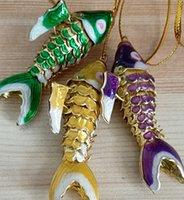 2 الحجم المينا حية سوينغ كوي الأسماك سحر المفاتيح مع مربع الصينية مصوغة بطريقة ملونة الكارب الأسماك قلادة سلاسل المفاتيح للنساء الاطفال الهدايا